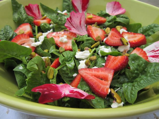 capture the season with this spinach/strawberry salad...